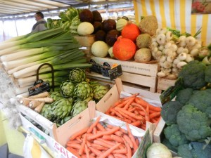fresh produce, paris france, green grocer, open air market
