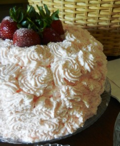 strawberries cake angel food whipped cream fresh berries dessert light cake jello cake gelatin cake